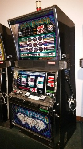 IGT S2000 Triple Diamond 9 Line 25c Slot Machine