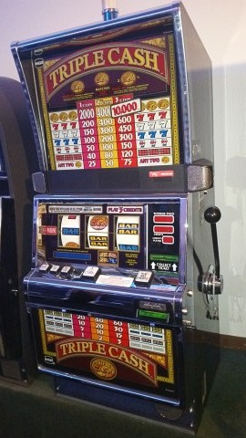 IGT S2000 Triple Cash Slot Machine