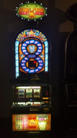 IGT Barcrest Double Diamond King Cash Bonus Slot Machine