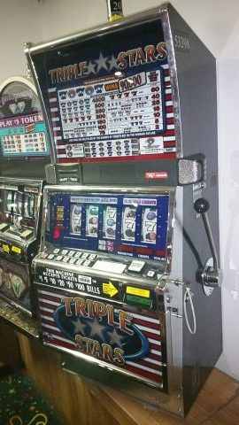 IGT S2000 Triple Stars 5 Reel 9 Line Slot Machine