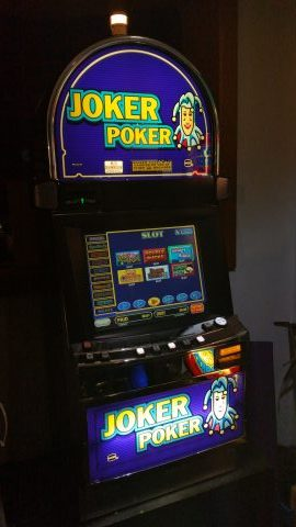 IGT Game King Multi Game Video Poker 76 Enabled Games Large 19″ LCD Touch Screen