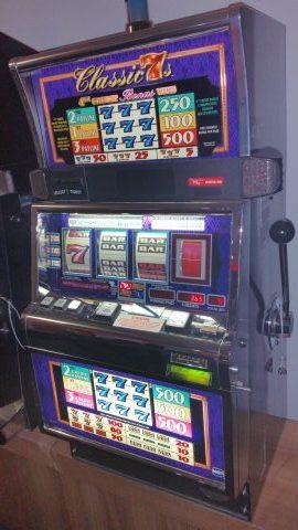 IGT S2000 Classic 7's 3 Line 4th Reel Bonus Slot Machine