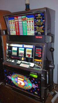 deluxe with cheese slot machine for sale