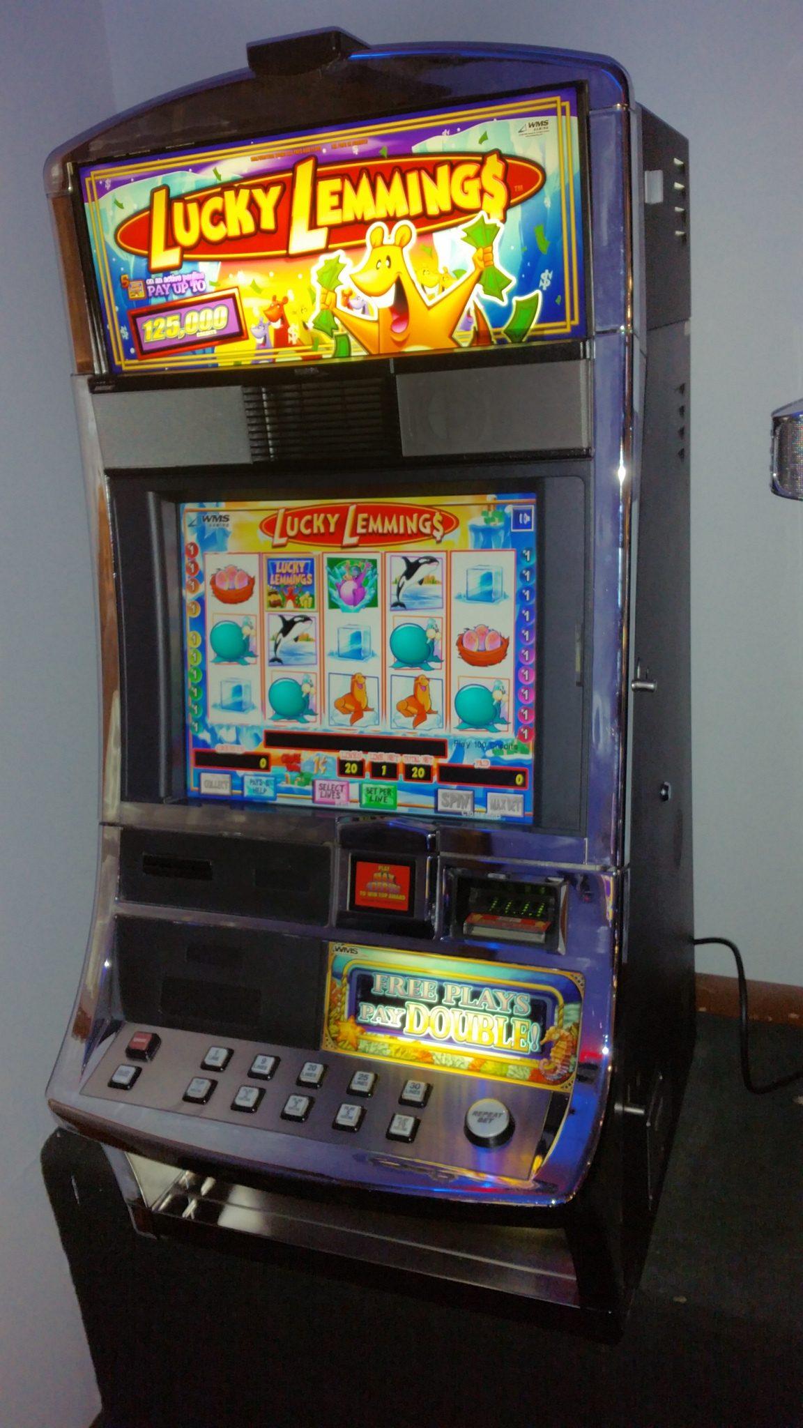 WMS Blue Bird Lucky Lemmings Video Bonus Slot Machine