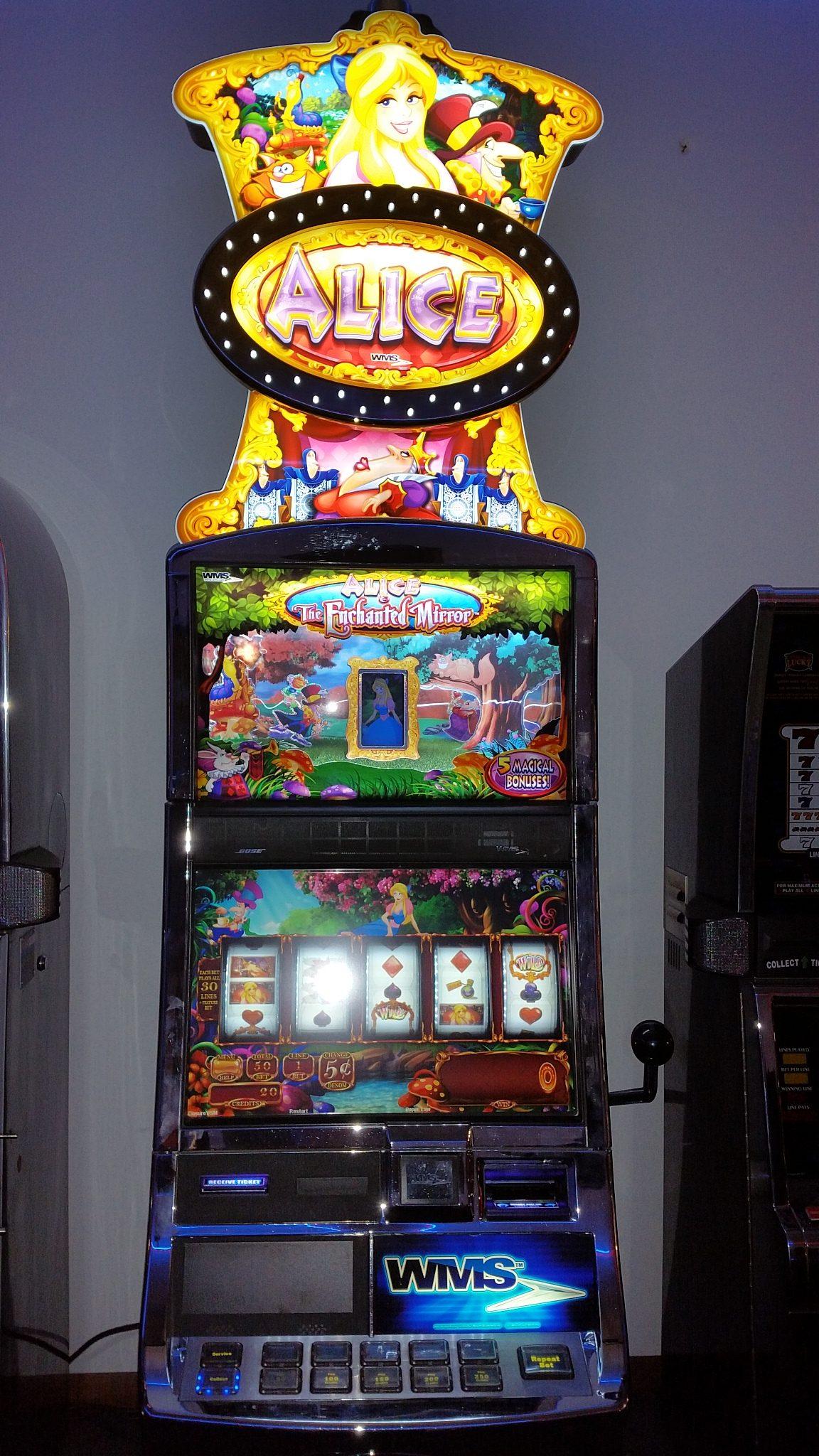 WMS Blue Bird Alice The Enchanted Mirror 5 Magical Bonus Slot Machine