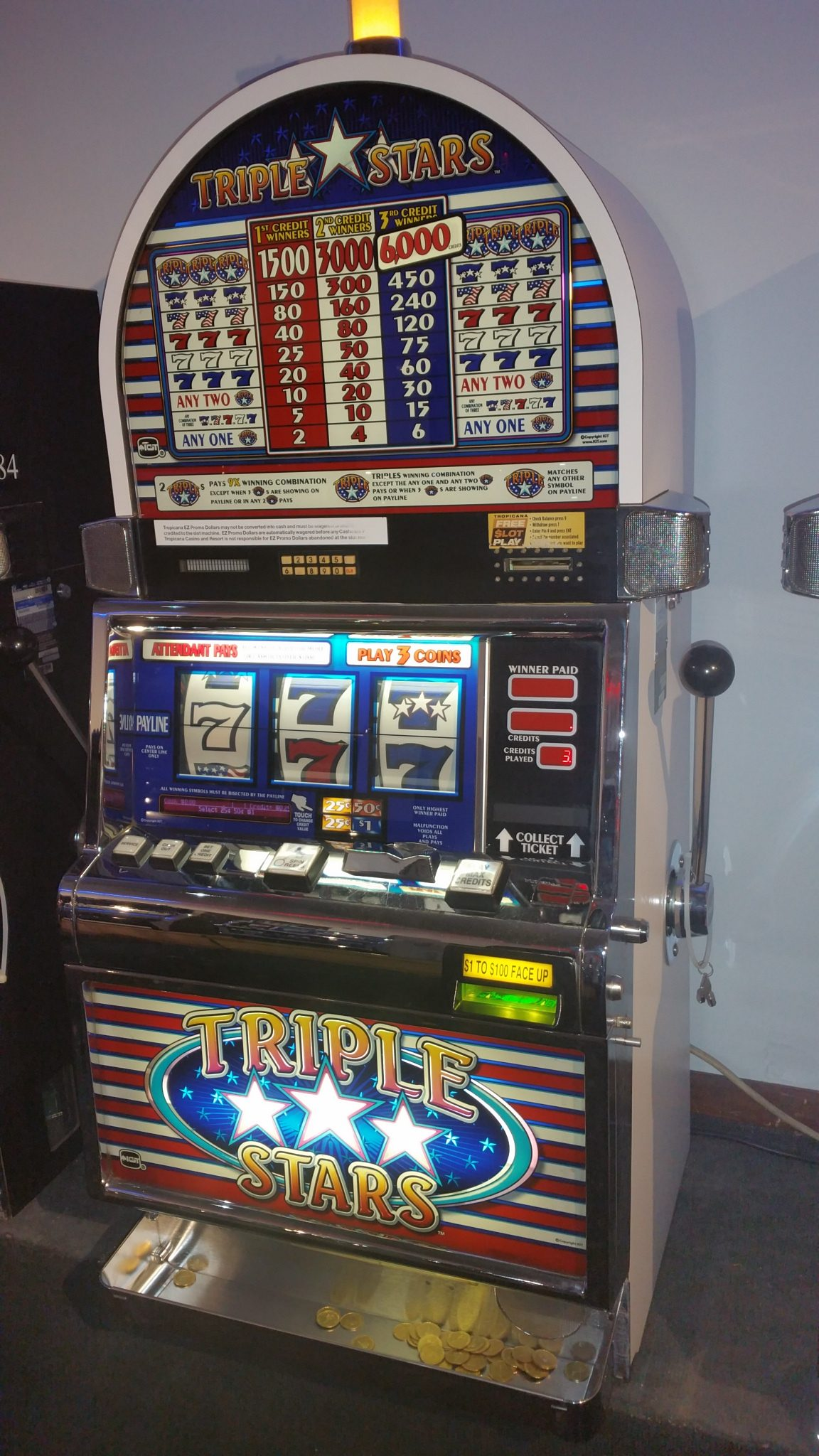 IGT S2000 Triple Stars 3 Coin Quarter Slot Machine