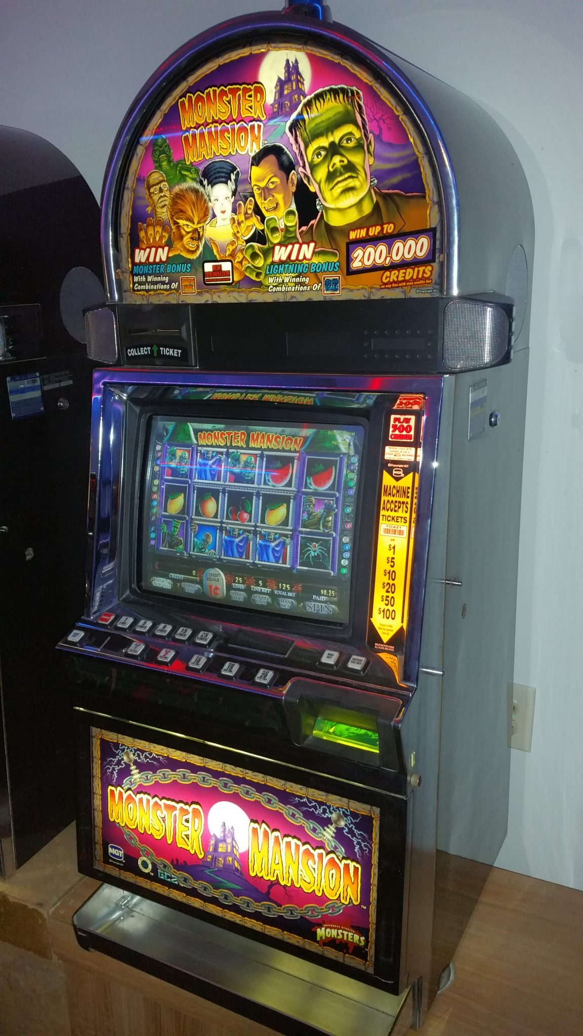 IGT I Game Plus Monster Mansion Video Slot Machine