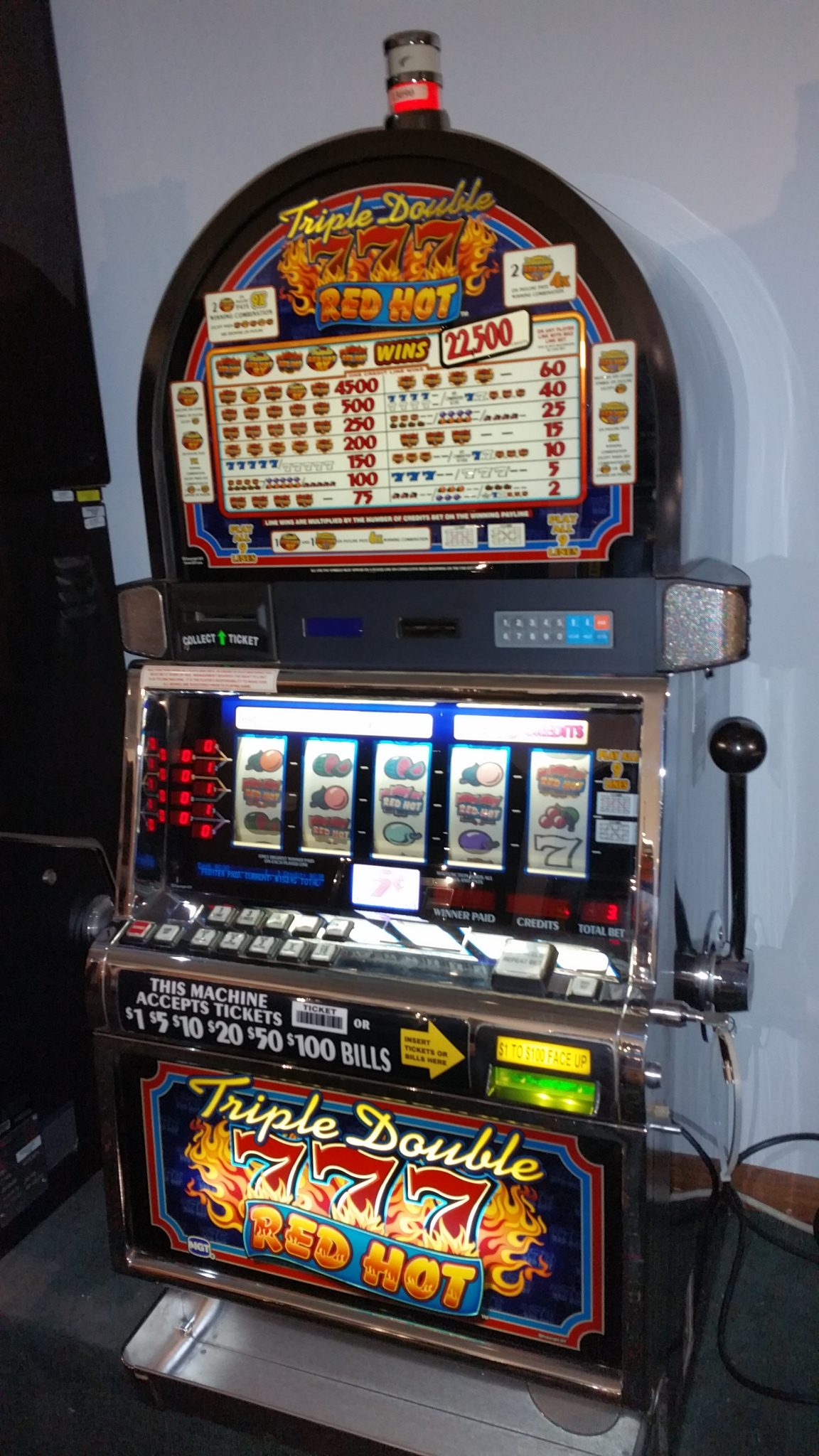 IGT S2000 Triple 777 Red Hot 9 Line Slot Machine
