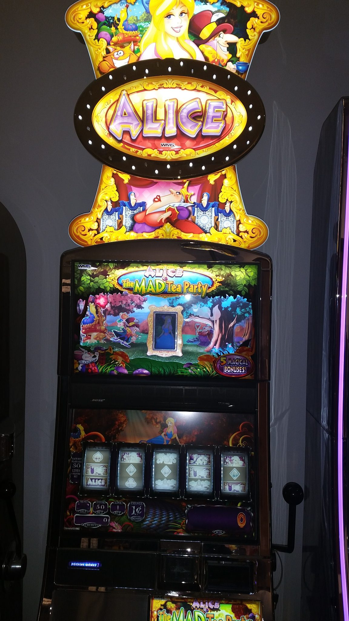 WMS Alice The Mad Tea Party Video Bonus Slot Machine