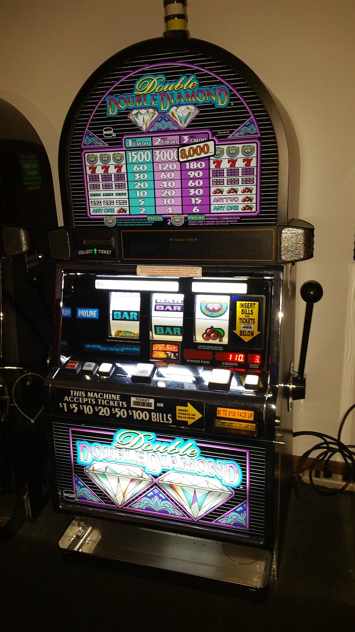 IGT S2000 Double Double Diamond Slot Machine