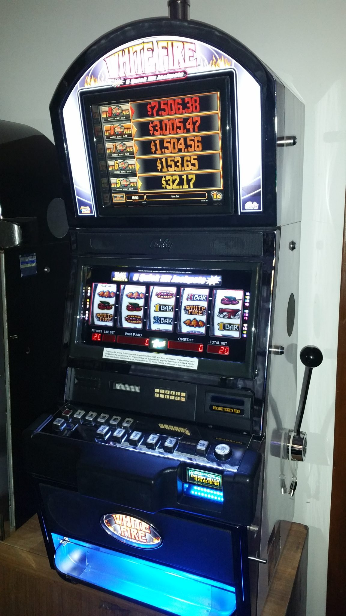 Bally White Fire Quick Hits Progressive Slot Machine