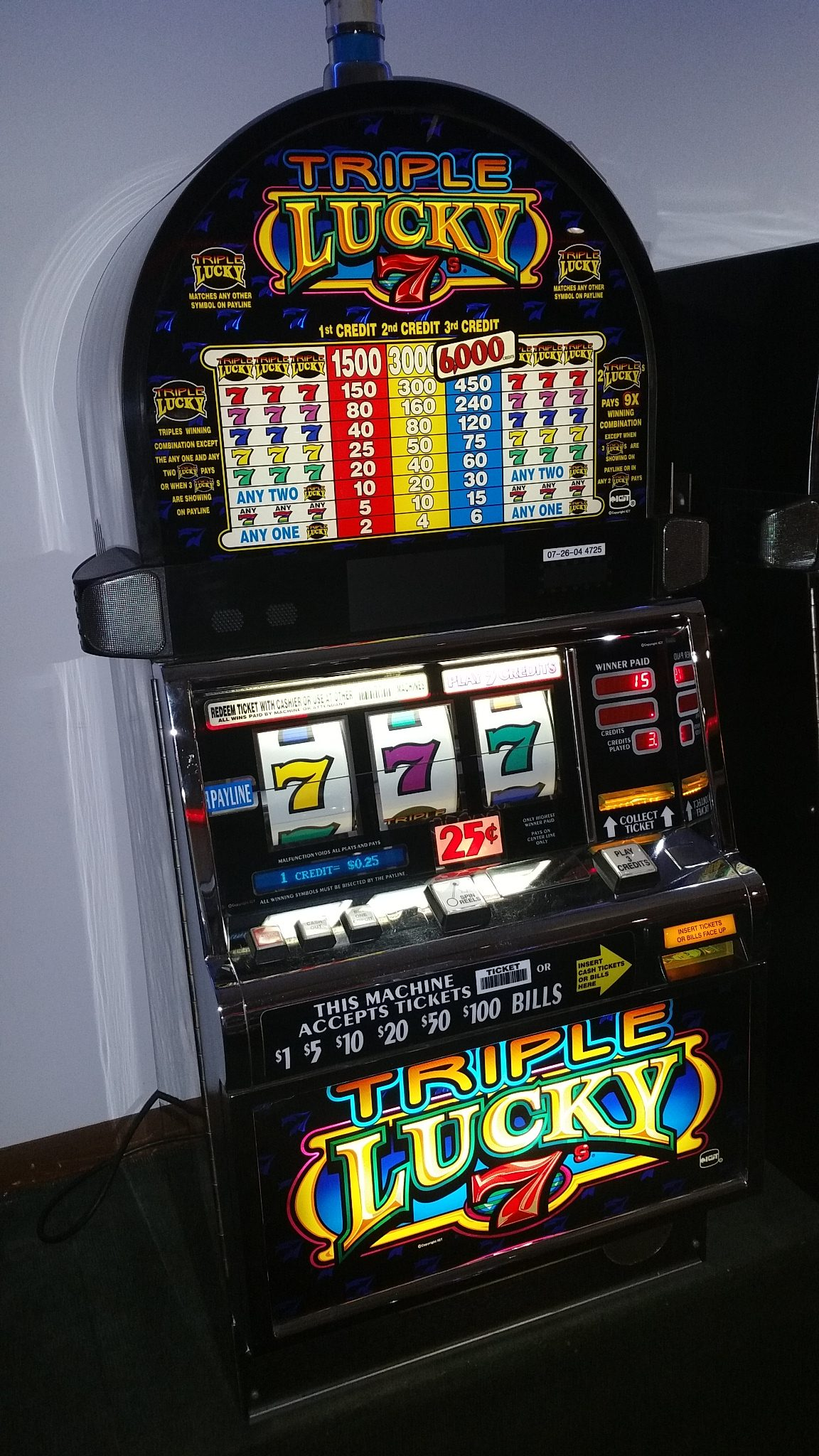 igt s2000 triple lucky 7 s slot machine slot machines for sale