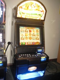 Bally Alpha Lucky Luigis Pizzeria Video Slot Machine 001
