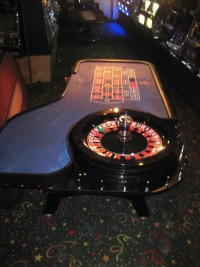 Casino Roulette Wheel  32'' 0 Paulson with Table 018
