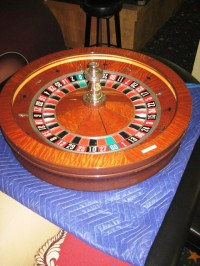 Huxley Roulette Wheel 32'' 00 010