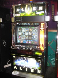 IGT I Game Plus Alien Video Slot Machine 001